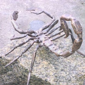 Статуэтка скорпион